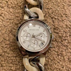 Michael Kors Chain Link Silver Watch